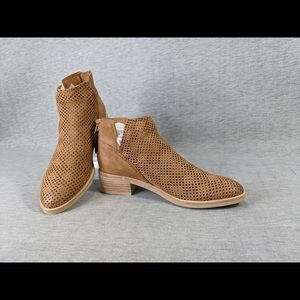 Dolce Vita Tommi Perforated Booties